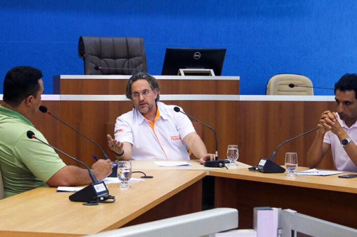Câmara apura denúncia de irregularidades referente a ônibus destinados à frota escolar