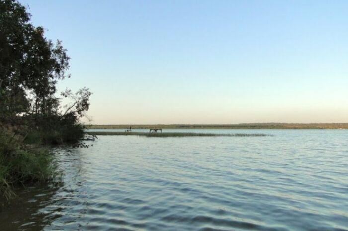 Polícia Militar faz buscas para localizar corpo no rio Sucuriú