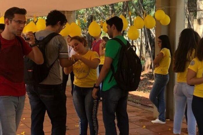 Liga de Saúde Mental da UFMS realiza intervenção sobre o Setembro Amarelo