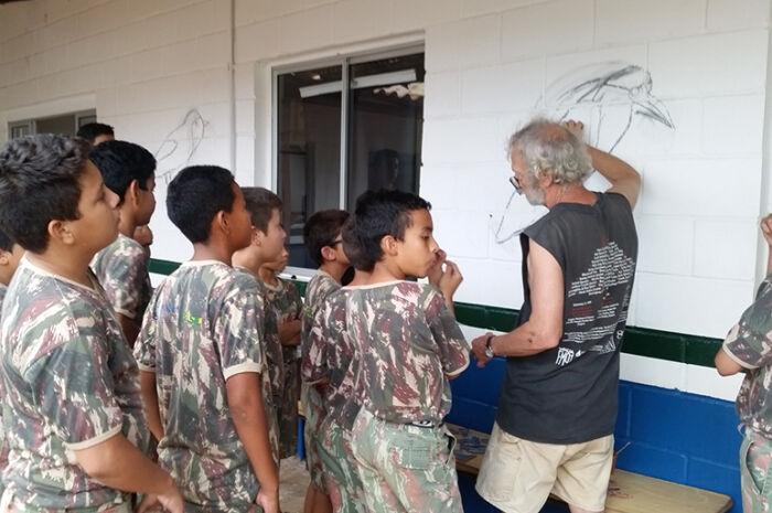 Projeto Florestinha inicia curso com murais de mosaico