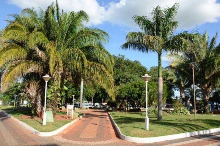 Decoração de Natal em Paranaíba terá custo de R$ 93.715 mil