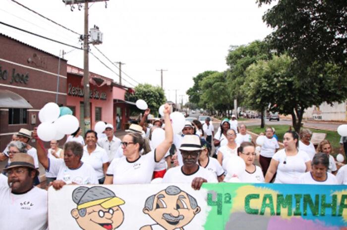 Assistência Social promove caminhada para celebrar o Dia do Idoso