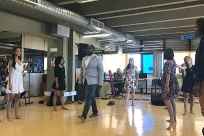 Biblioteca Isaias Paim realiza sarau em homenagem às Expressões Afro-Brasileiras