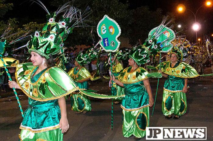 Escolas de samba voltam a desfilar em Três Lagoas