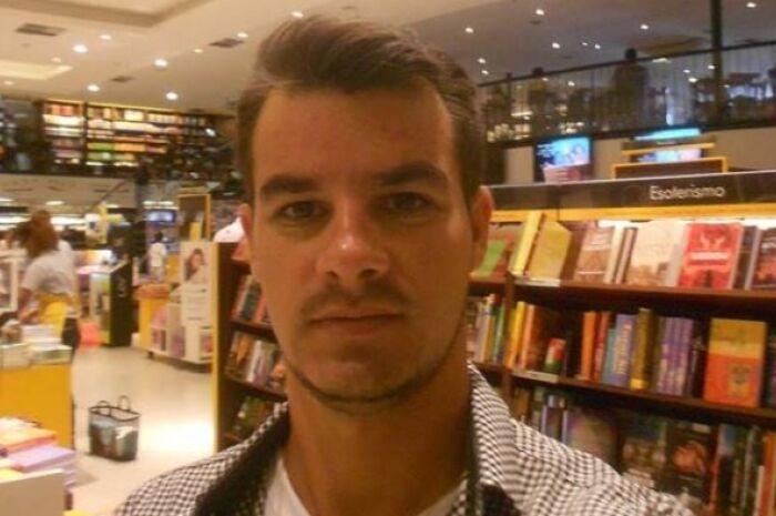 Escritor paranaibense lança livro de autoconhecimento