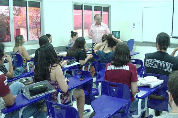 Governo deverá ofertar 100 mil vagas para o Fies em 2019