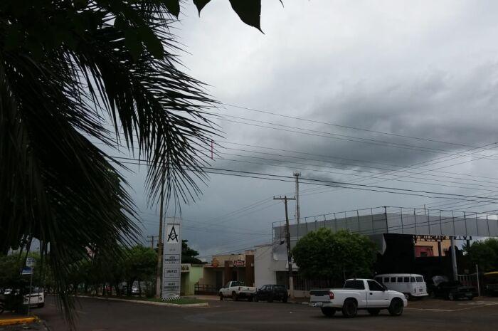Defesa Civil do municípiop emite alerta de tempestade moderada