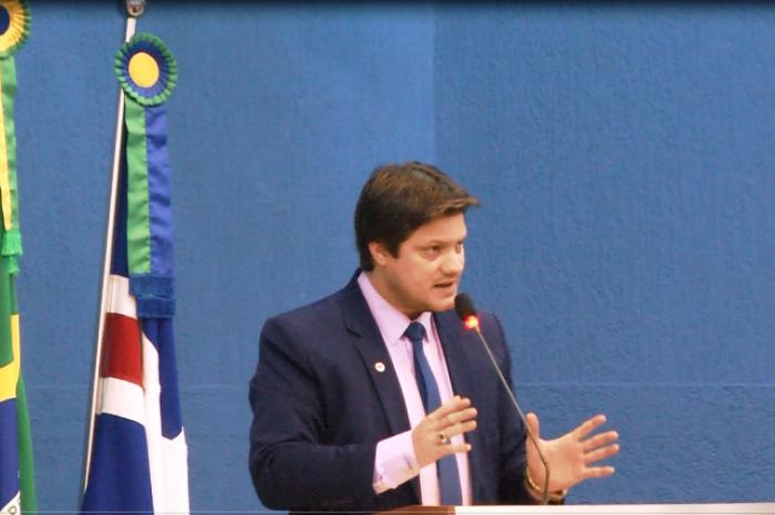 Presidente da Câmara se declara 'independente'
