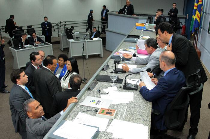 Vereadores renovam isenção de imposto na tarifa de ônibus