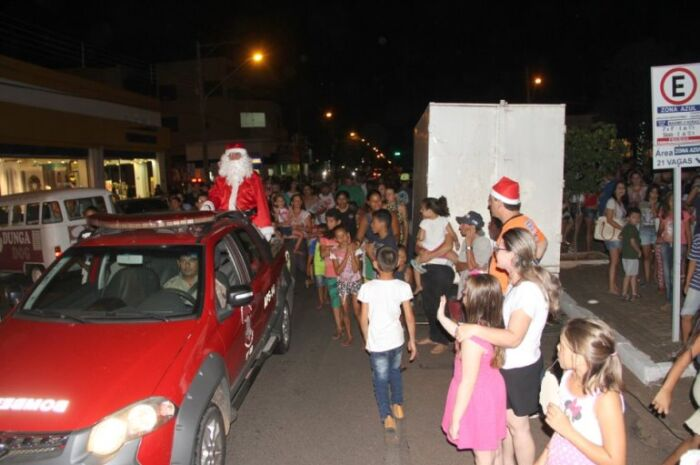 Chegada do Papai Noel em praça de Três Lagoas é nesta sexta com serenata