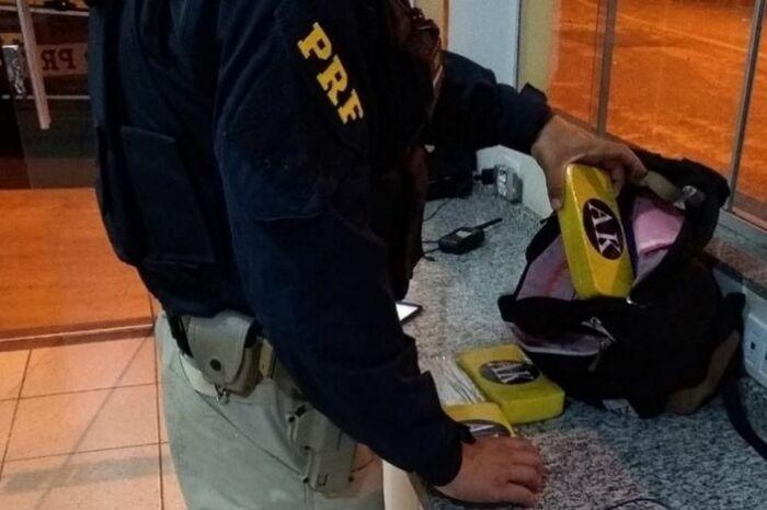 Passageiro de ônibus é preso pela PRF com 4 kg de cocaína