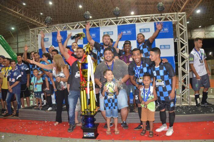 Equipe 'Muito Mais' conquista o trófeu de campeão dos jogos abertos de Três Lagoas