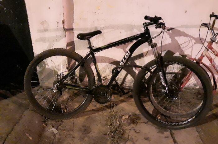 Polícia flagra ex-presidiário com bike furtada no Centro da cidade