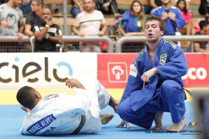 Judoca sul-mato-grossense conquista vaga na seleção de base brasileira
