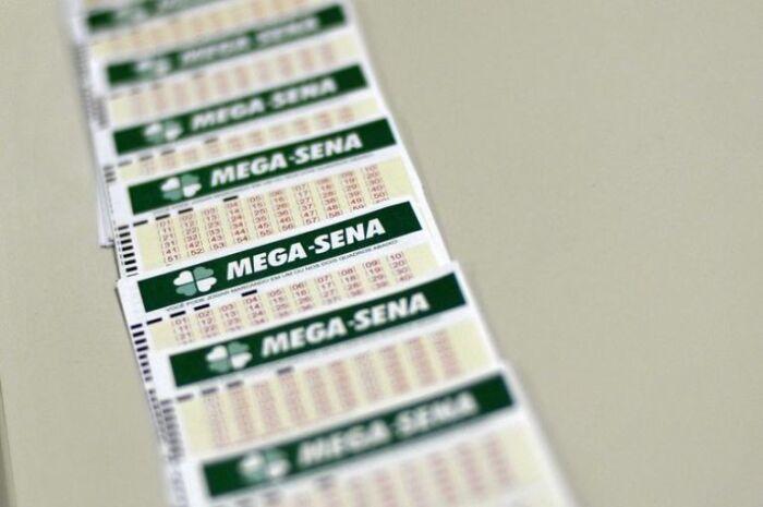 Ninguém acerta a Mega-Sena e prêmio acumula em R$ 12 milhões