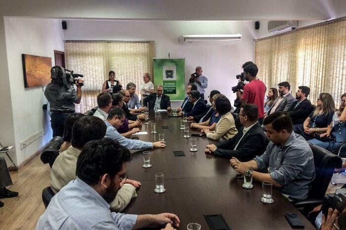Governador assina decreto que torna MS o 4º estado a modernizar ciência, tecnologia e inovação