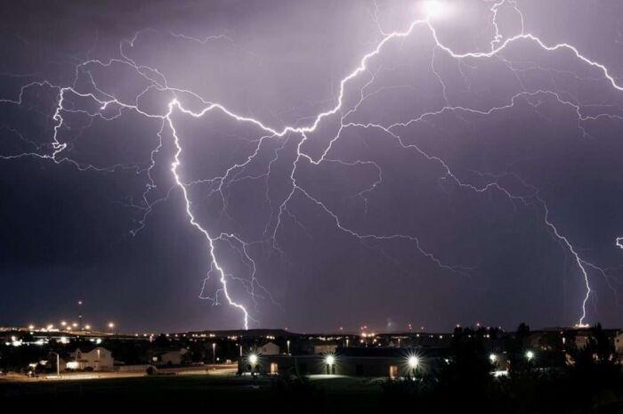 Mato Grosso do Sul registra queda de 65 mil raios, diz Inpe