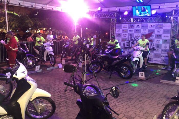 Nove desistem de competição por moto 0km no reality de Três Lagoas