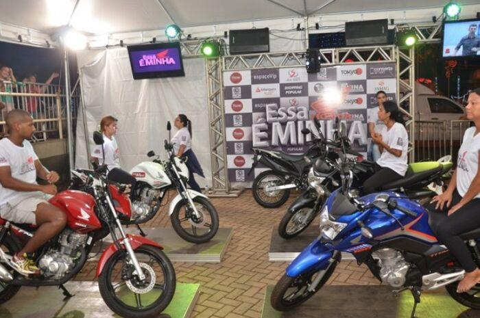 Novo reality show do Grupo RCN põe competidores em batalha por moto