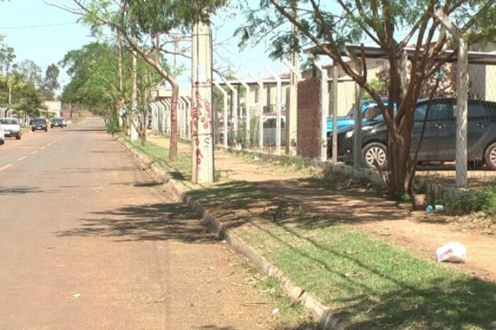 Moradora do Novo Oeste pede ajuda à polícia contra ameaças de vizinho