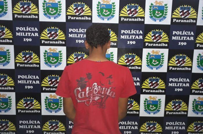Motociclista é preso pela PM com porção de maconha