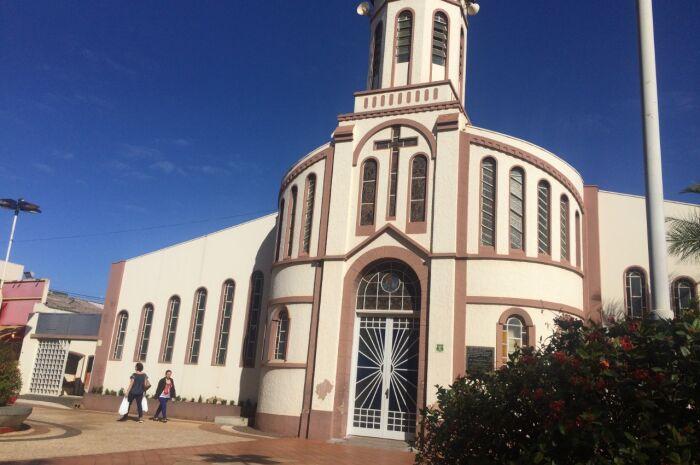 Igreja Católica promove festa para crianças carentes de Paranaíba