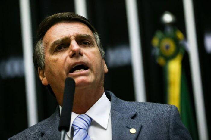 Ministros estão 'mapeando' problemas pelo Brasil, diz Bolsonaro