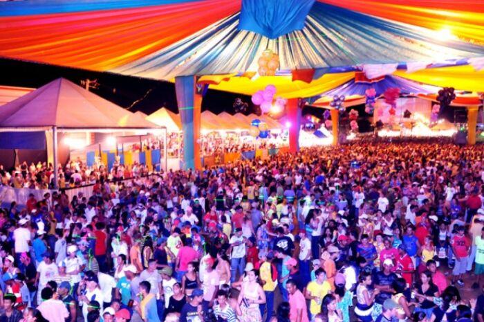 Municípios cancelam Carnaval para investir outras áreas