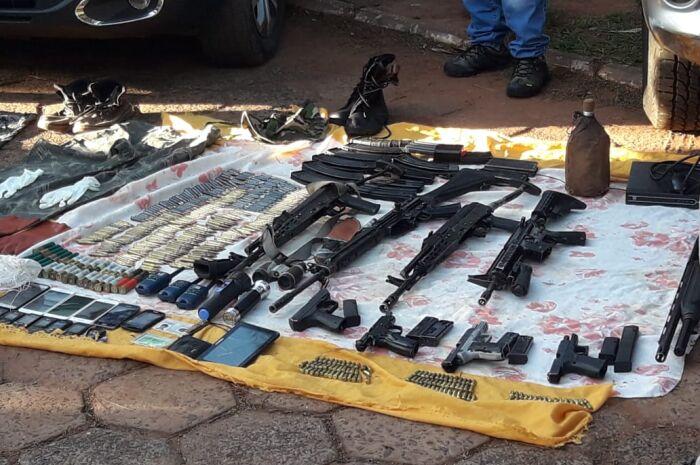 Grupo suspeito de sequestros é preso com armas e munições