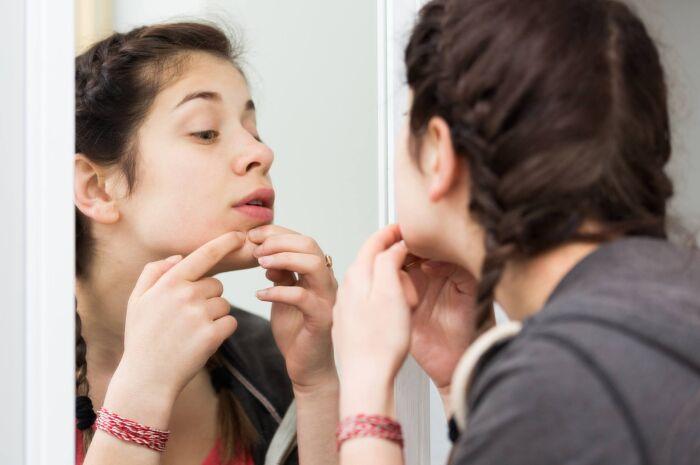 Saiba como evitar espinha interna e suas principais causas