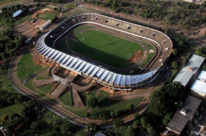 Todos os estádios utilizados no Campeonato possuem restrições