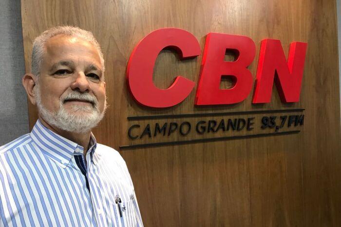 Advogado Tércio Albuquerque tira dúvidas de ouvintes sobre porte de armas