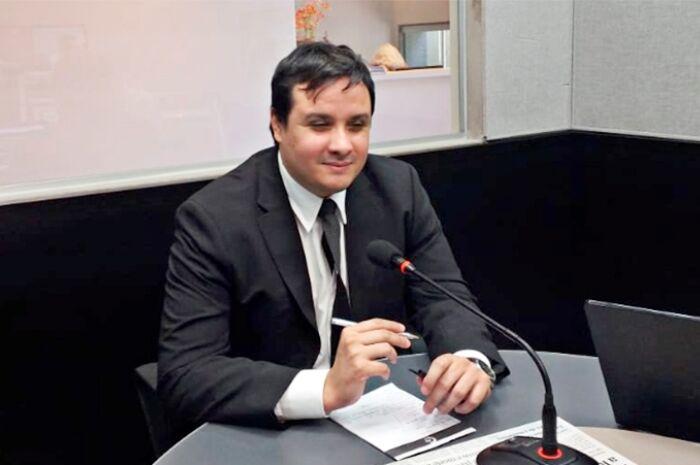 'Espalhar fake news é ato criminoso'