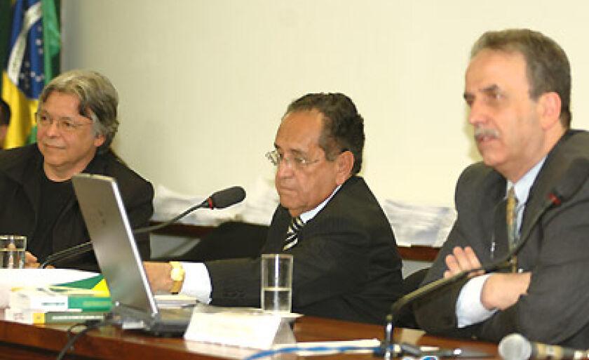 Frederico Gregório (Empresa Microbase ia), deputado Gerson Peres (PP-PA) e Pedro Rezende (Ciência da