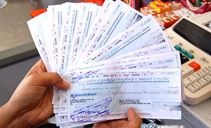 Os rombos causados pelos cheques sem fundos vem aumentando cada vez mais