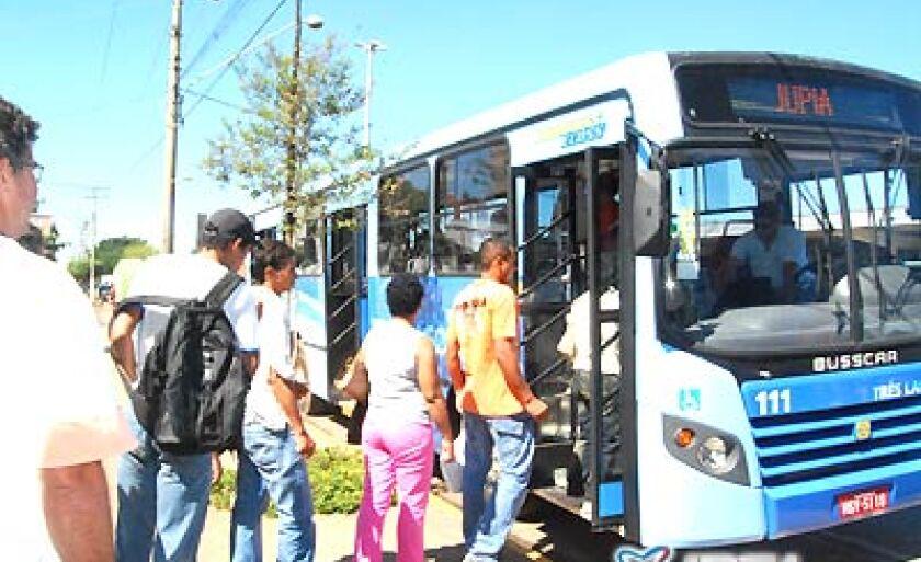 Durante o mês de férias, gratuidade concedida aos alunos que utilizam ônibus urbano fica suspensa