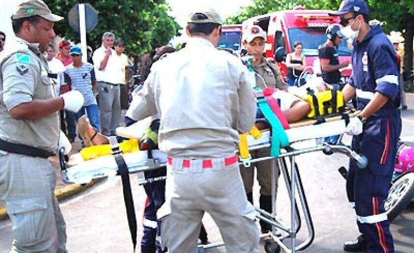 Acidente no cruzamento da avenida Eloy Chaves com a rua João Gonçalves de Oliveira
