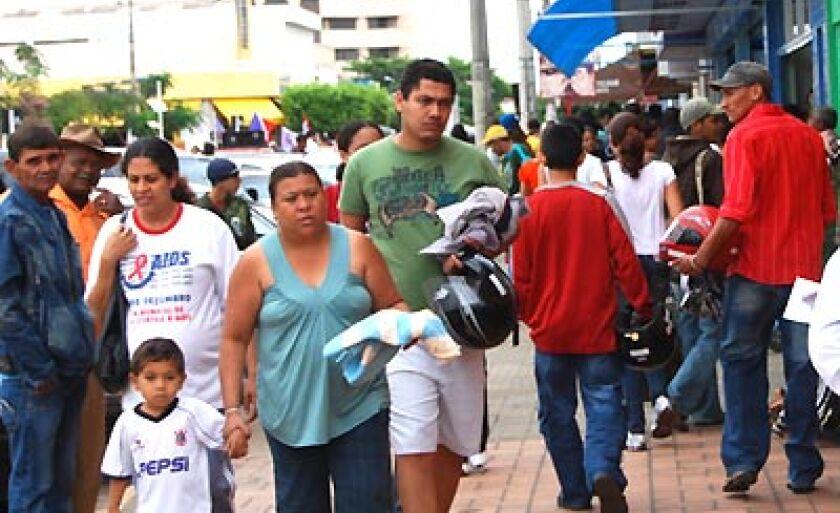 Na Cidade existe a falta de mão-de-obra especializada para muitos setores; no comércio, por exemplo