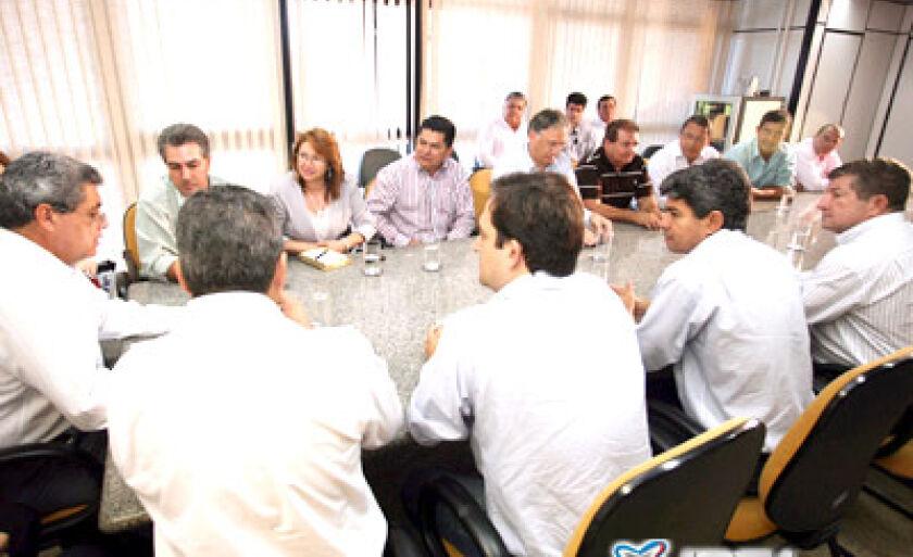 Reunião de prefeitos em seu Gabinete,