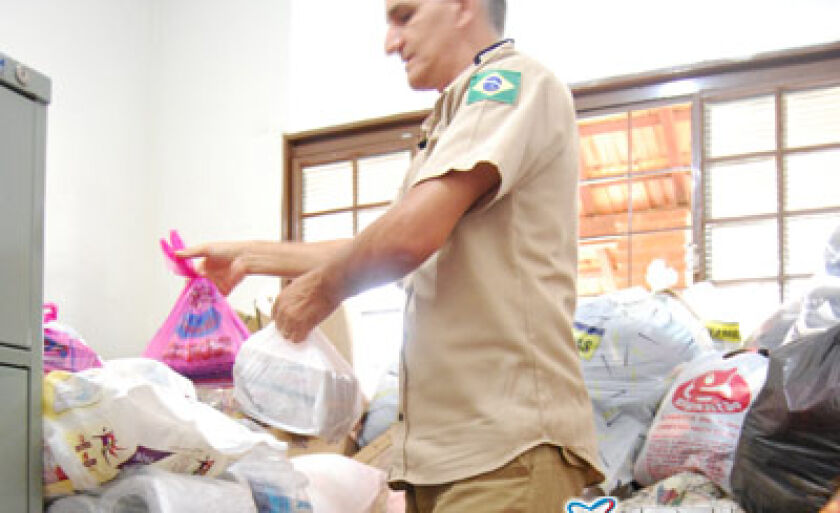 Base da PRF continua recebendo doações para SC