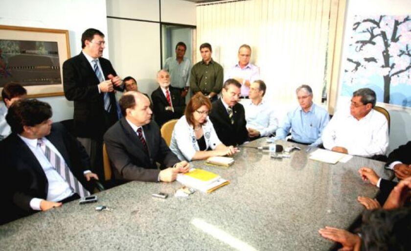 Governador em reunião com CMC nesta manhã