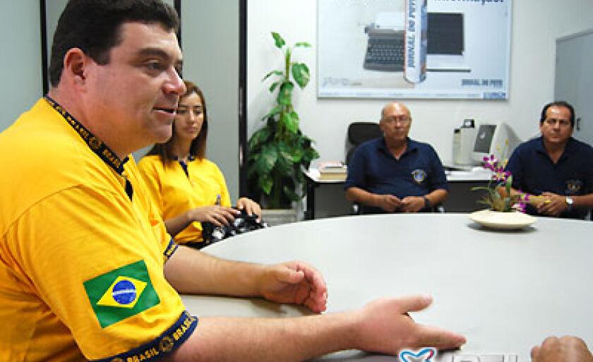 O governador do Distrito LC-8 do Lyons Clube, Luiz Alfredo Bigarelli Júnior