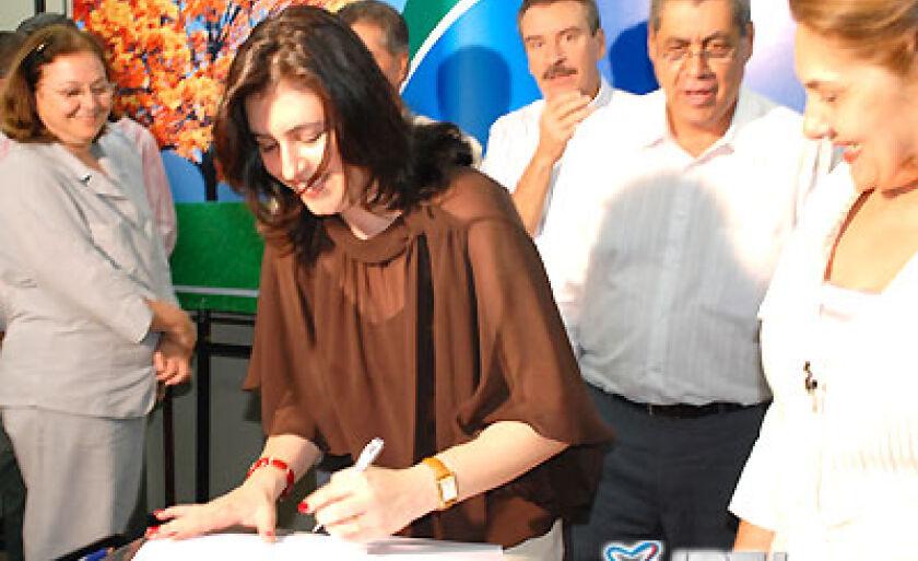 Prefeita Simone Tebet assinou convênio de Capacitação Profissional gratuita para mil jovens
