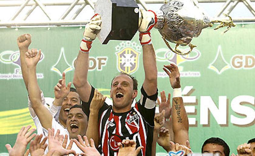 Capitão do time, o goleiro Rogério Ceni