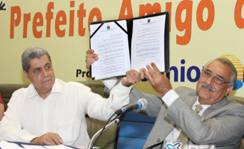 Governador sancionou Lei que institui os prêmios Empreendedor Amigo da Criança e Cidadão Amigo da Criança
