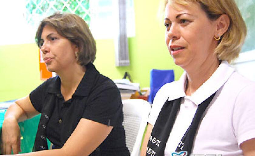 Diretora da Apae Gisele Alves e a coordenadora Sílvia Maria