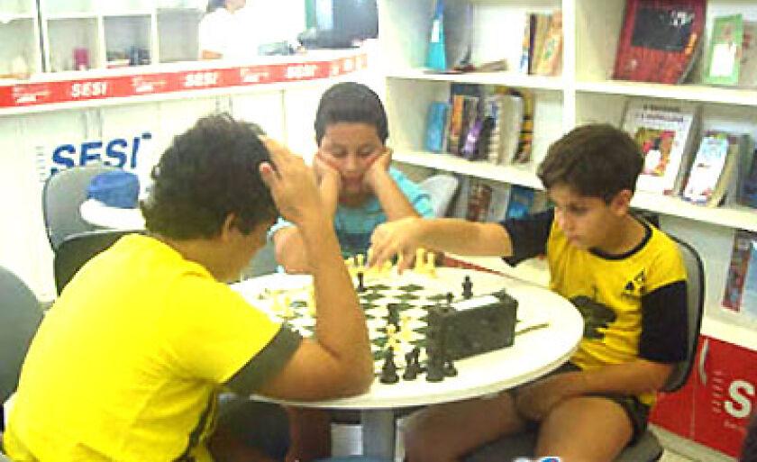 As crianças foram selecionadas pelo Clube de Xadrez Pantanal