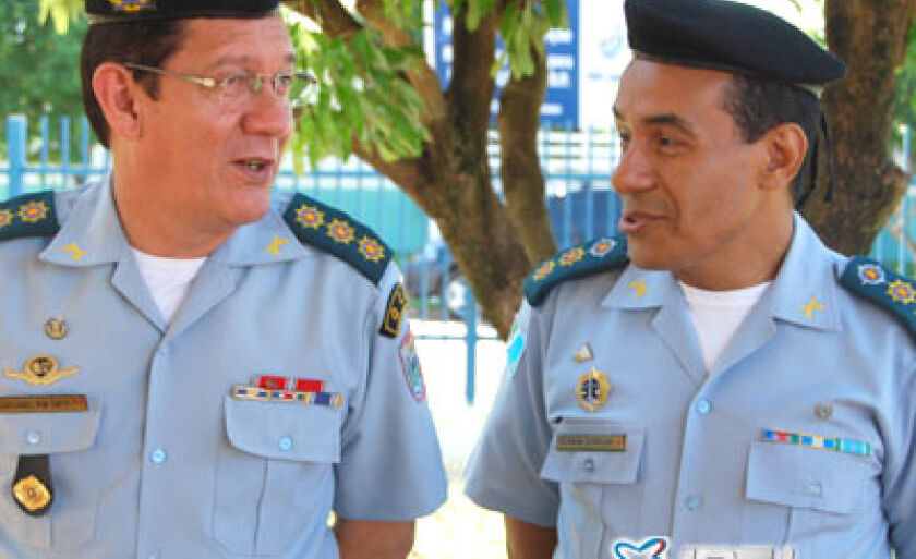 Comandante Geral da PM, coronel Geraldo Garcia Orti e comandante do 2ºBPM, tenente coronel Washington Geraldo de Oliveira