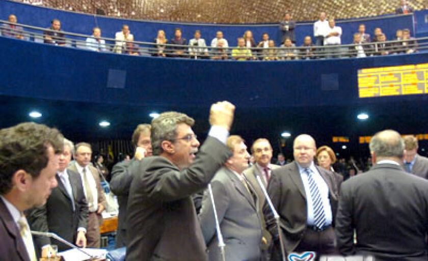 Senado aprovou aumento do número de vereadores, mas deputados rejeitaram a promulgação