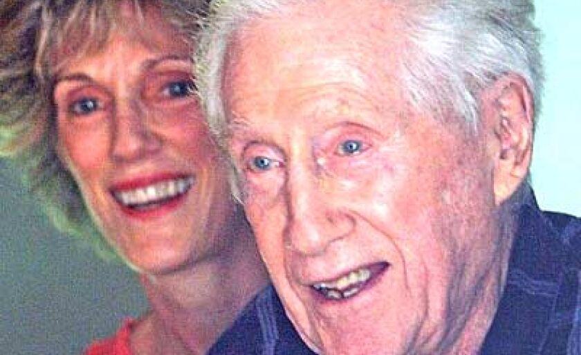Foto de maio de 2005 mostra Mark Felt e sua filha, Joan